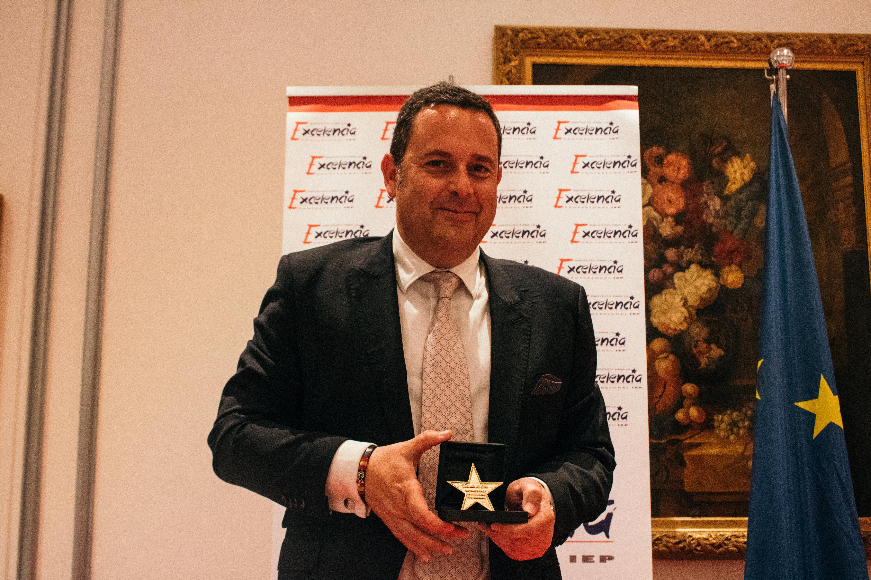 José Piñera, fundador de Reparatucoche.com, premiado con la Estrella de Oro a la Excelencia Profesional