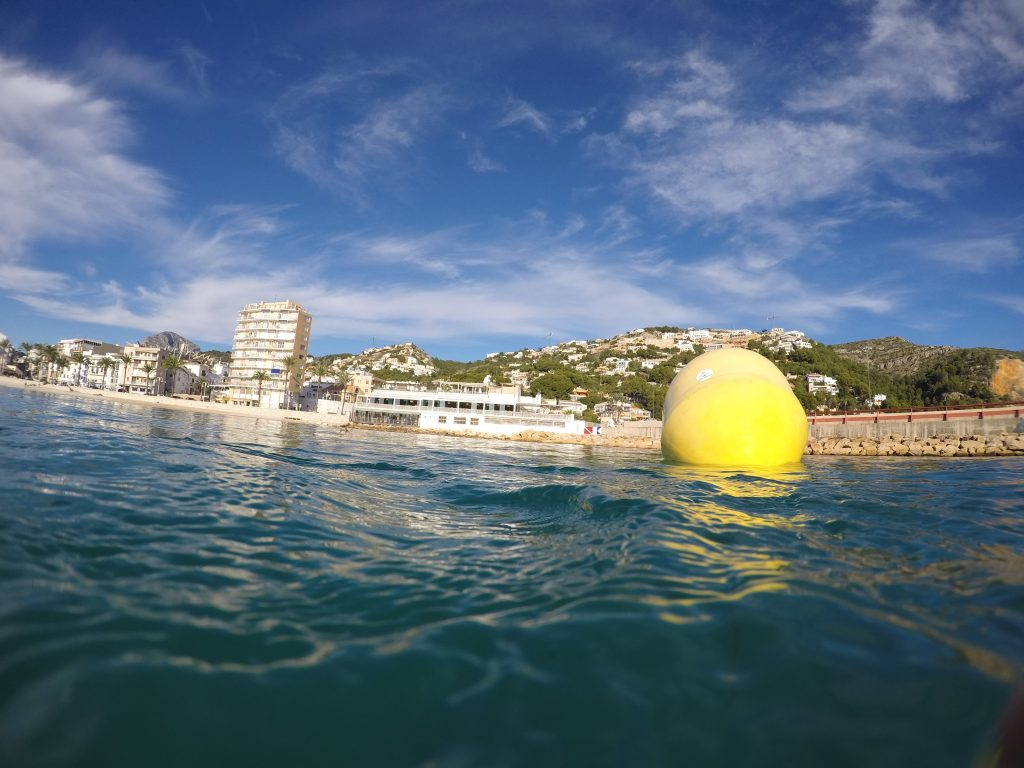 Boya de Sea Wather en una costa española