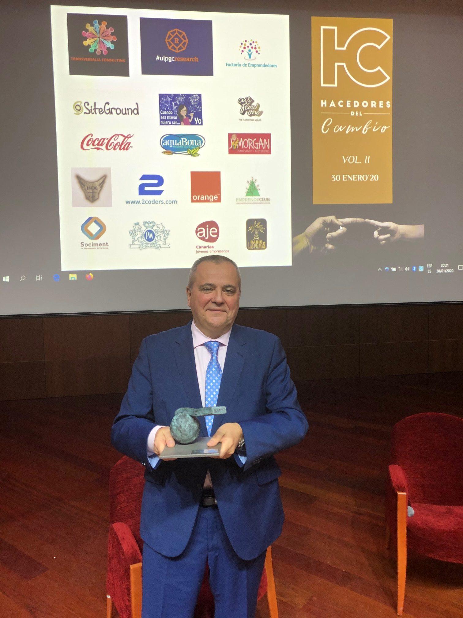 Juanma Romero recibe el premio Hacedores del Cambio 2019